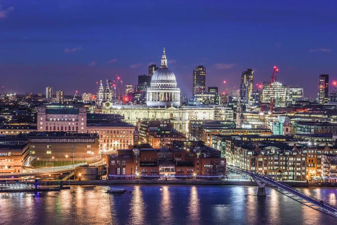 Best Places for Solo Travelers - London